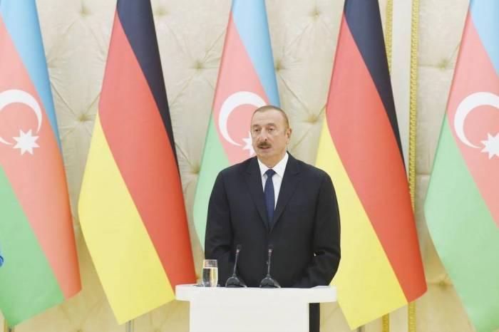 """İlham Əliyev: """"Heç kim tənqidə görə təqib olunmur"""""""