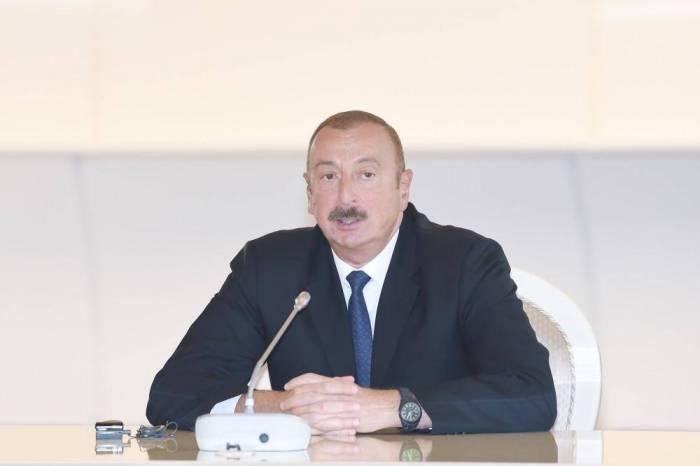 """""""Azərbaycan iqtisadiyyatı sürətlə inkişaf edir"""" - İlham Əliyev"""