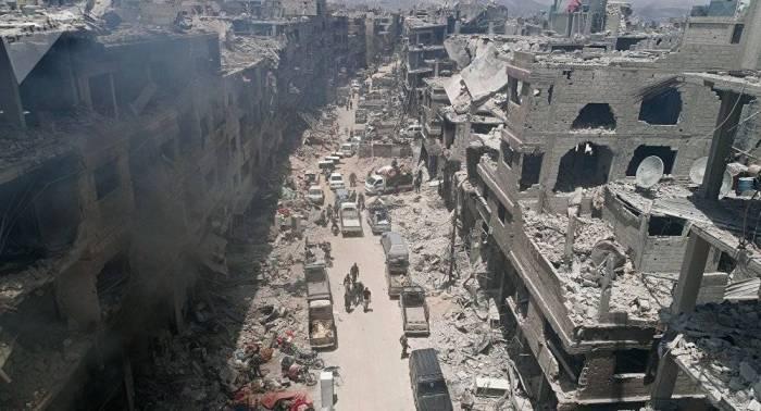 Pompeo y De Mistura acuerdan que reconstrucción de Siria debe incluir solución política