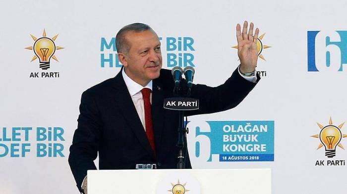 Turquie:Erdogan réélu à la tête de l'AK Parti