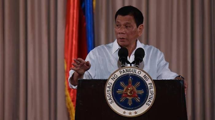 Filippin prezidenti Çini müharibə ilə hədələdi
