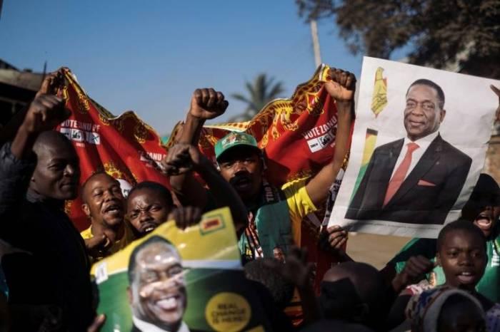 """Líder de la oposición de Zimbabue denuncia """"resultados falsos"""" en elecciones"""