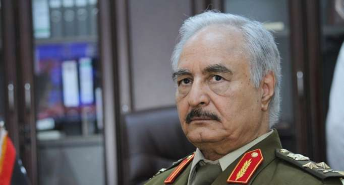 حفتر: يتحدث عن اشتباكات طرابلس ويؤكد أن الجيش سيتحرك في الوقت مناسب (فيديو)