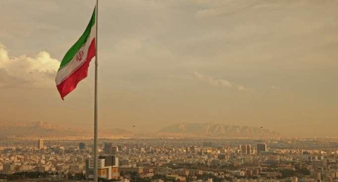 بعد هجوم العرض العسكري... إيران تستدعي سفراء 3 دول