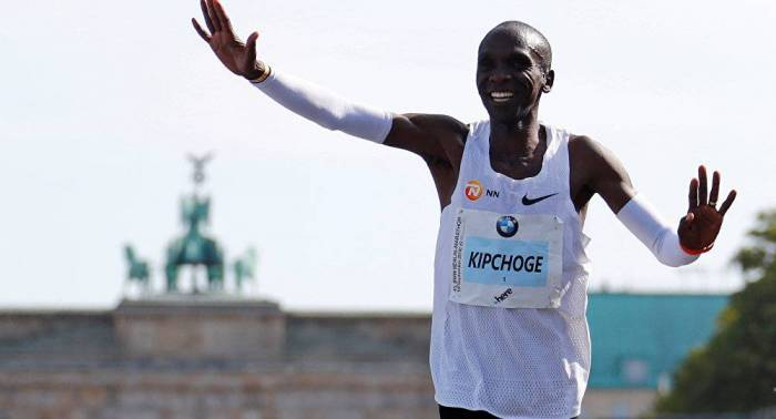 Kenyan runner eclipses marathon world record by 78 seconds