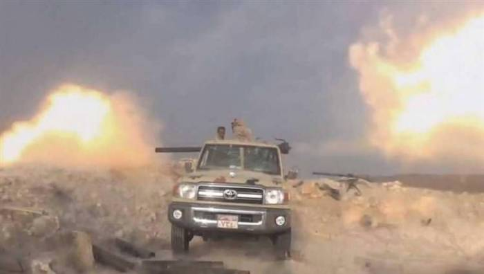 قوات التحالف ترصد إحراق ميليشيات الحوثي مستودعاً إغاثياً ومحطة وقود في الحديدة
