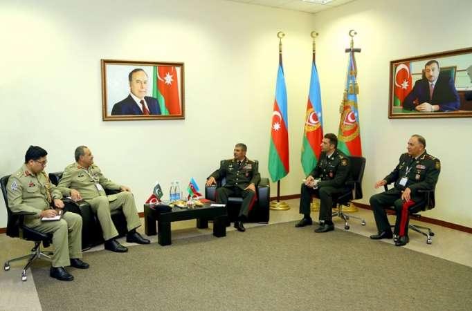 Zakir Həsənov pakistanlı generalla görüşüb