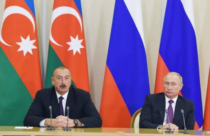 İlham Əliyev və Putin mətbuata bəyanatla çıxış edib - FOTOLAR