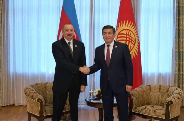 İlham Əliyev Qırğızıstan prezidenti ilə görüşüb - FOTO