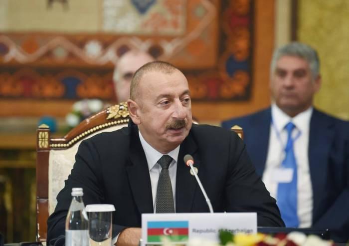 İlham Əliyev Bakı-Tbilisi-Qars dəmir yolu ilə bağlı çağırış etdi