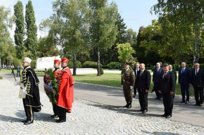 "Ilham Aliyev visited ""Voice of Croatian Victims – Wall of Pain"" monument in Zagreb - PHOTOS"