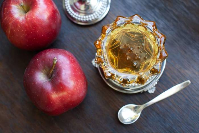 The symbolic foods eaten during Rosh Hashanah, the Jewish New Year