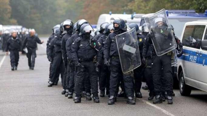 Polizei beginnt mit Räumung im Hambacher Forst