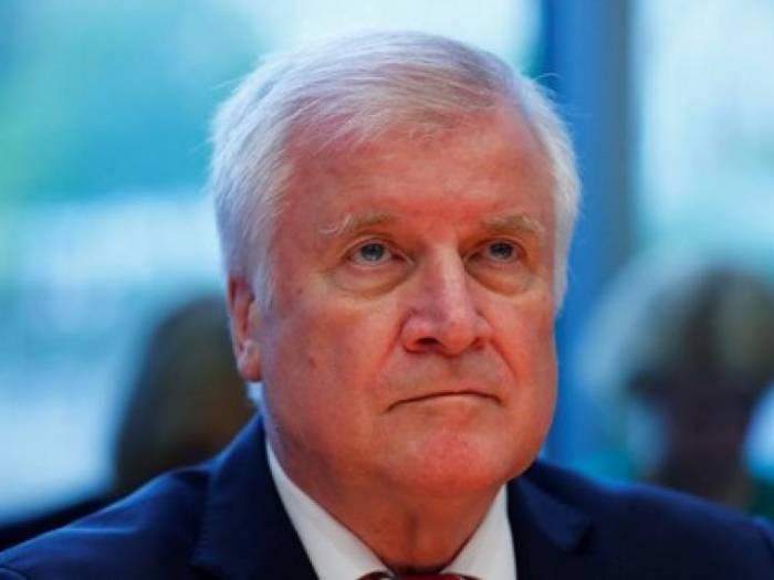 Seehofer gibt Rücknahmeabkommen mit Italien bekannt
