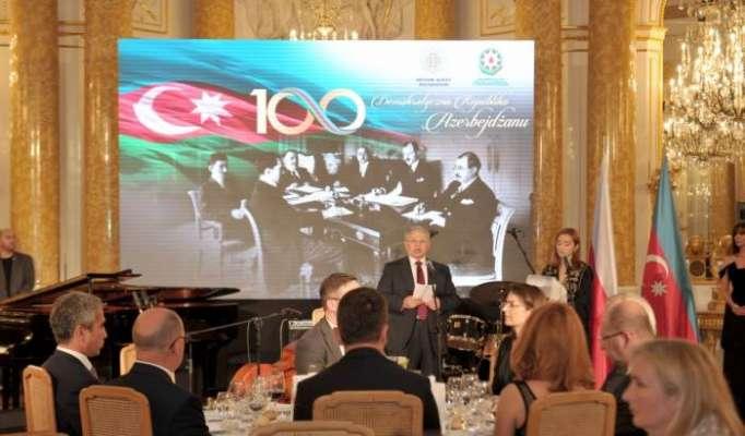 100. Jahrestag der Aserbaidschanischen Demokratischen Volksrepublik in Warschau gefeiert