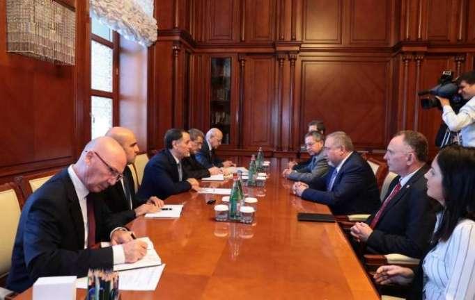 Azerbaijani PM meets Israel's defense minister