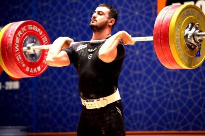 Kenan Alguliyev gewinnt aserbaidschanische Gewichtheber-Meisterschaft
