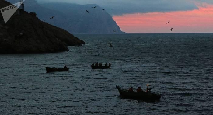 Un misterioso barco centenario aparece en las costas de Crimea