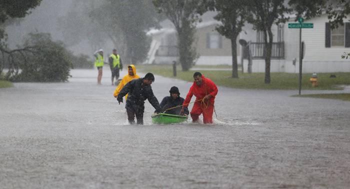 Suben a 13 los muertos por la tormenta tropical Florence en EEUU