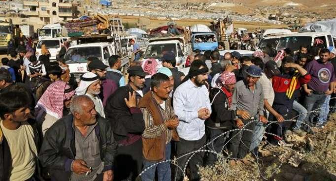 Más de 120 refugiados sirios vuelven a su país desde el Líbano en un día