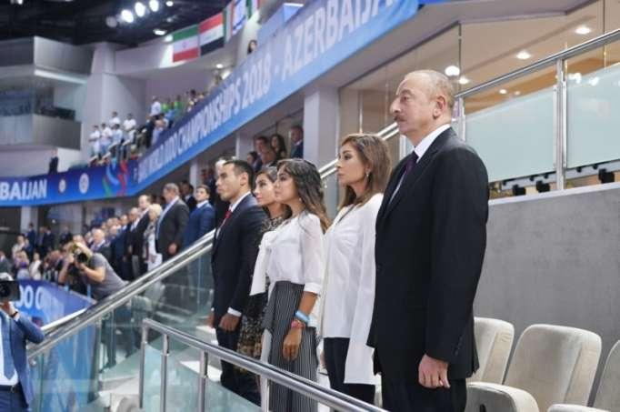 Prezident ailəsi ilə birlikdə cüdo yarışlarına baxdı