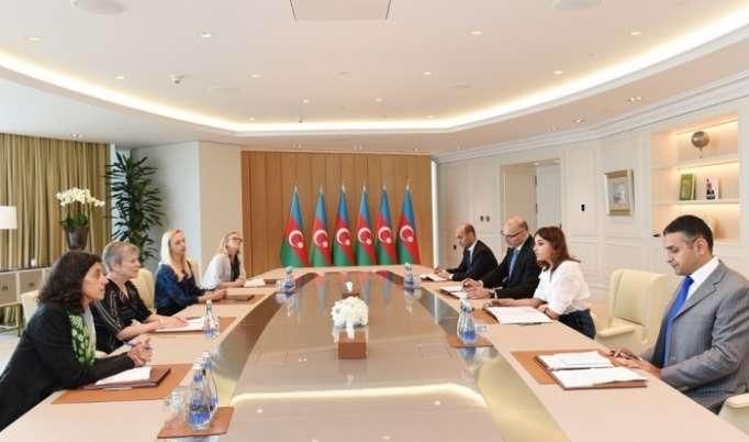 Erste Vizepräsidentin Aserbaidschans Mehriban Aliyeva trifft sich mit NATO-Delegation