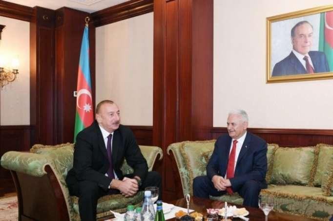 El líder azerbaiyano se reúne con Binali Yildirim