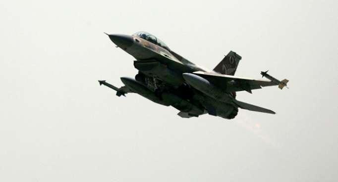Israelischer Experte: Eine F-16 kann sich nicht hinter einer Il-20 verstecken