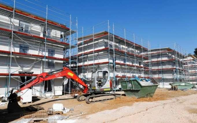 Merkel will Wohnungsbau in Deutschland beschleunigen