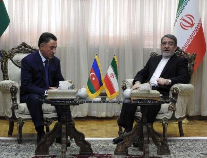 Innenminister Aserbaidschans zu Besuch im Iran