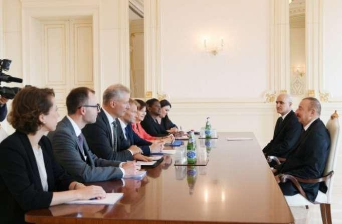 Ilham Aliyev recibe alvicepresidente del Banco Europeo de Inversiones