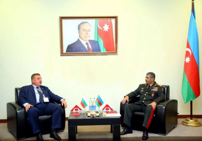 Azerbaijan Defense Minister meets with his Bulgarian counterpart