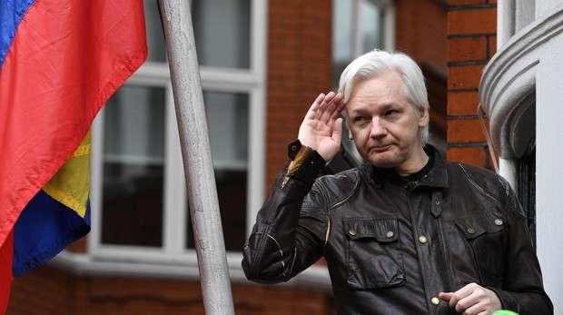 Assange habría renunciado al asilo de Ecuador en diciembre de 2017