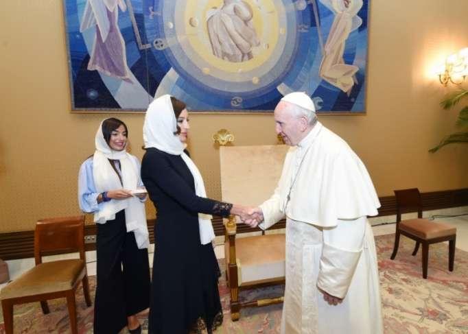 Mehriban Əliyeva Roma Papası ilə görüşdü -