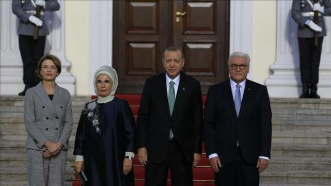 Turkish president welcomed with military honors in Berlin