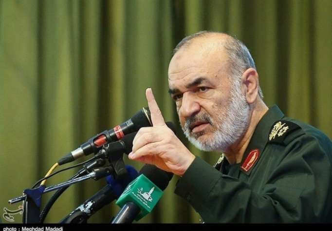 Iranian Revolutionary Guards warns Saudi Arabia, UAE to respect its