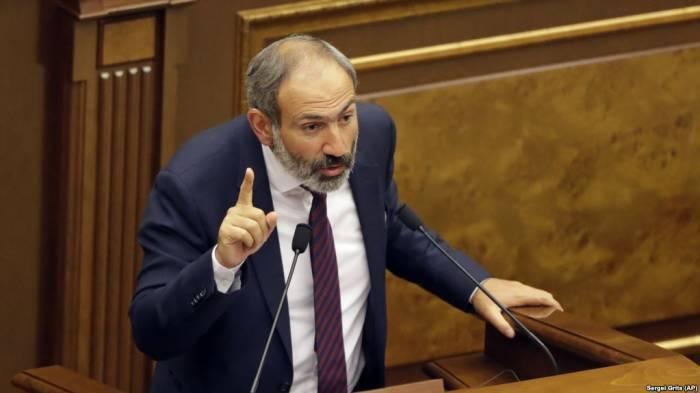 """Paşinyan Koçaryanı və Sarkisyanı """"siyasi meyit"""" adlandırdı"""