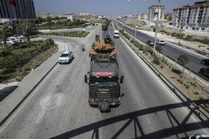 Türkiyə Suriya ilə sərhədə tank yığır -
