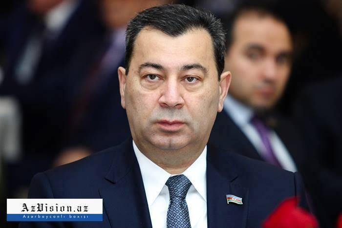 """""""Hərbi əlaqələrin güclənməsi dünyaya mesajdır"""" - Səməd Seyidov"""