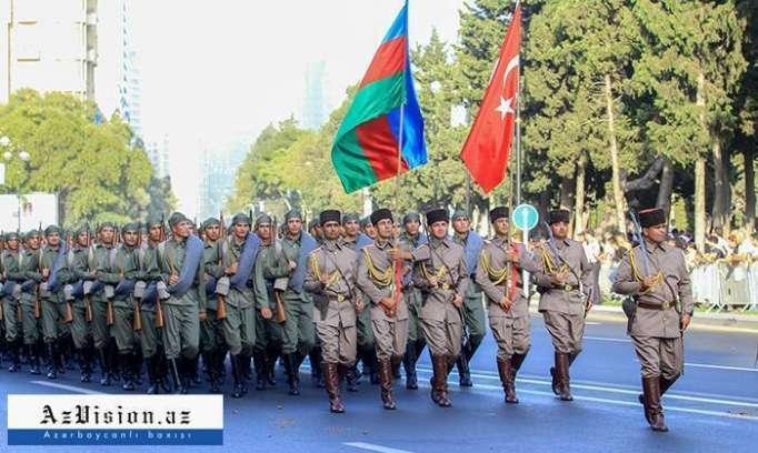 Parade to mark 100th anniversary of Baku's liberation - PHOTOS