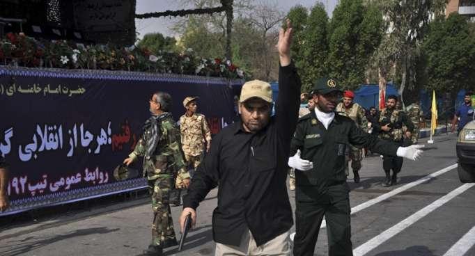 أول إجراء من إيران بعد هجوم العرض العسكري في الأهواز