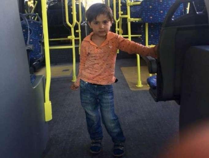 Bakıda avtobusda sahibsiz uşaq tapılıb - FOTO