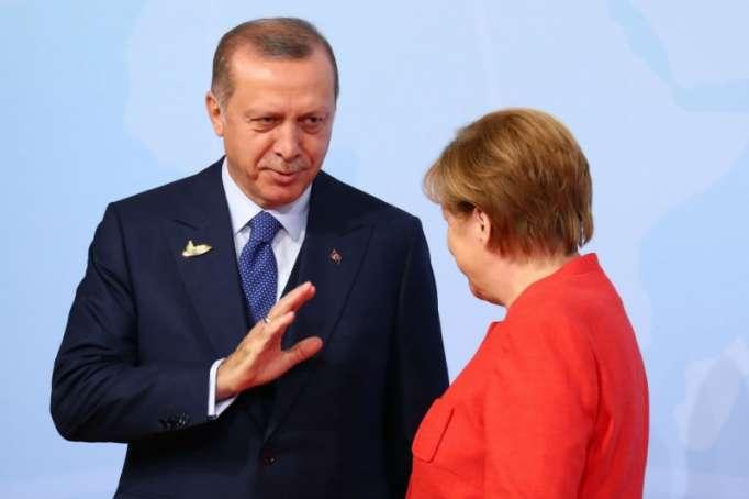 """""""Can Dündar ekstradisiya olunmalıdır"""" - Ərdoğan Merkeldən tələb etdi"""