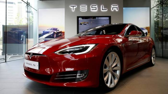 Gone in two seconds: How to hack & steal a Tesla Model S - VIDEO
