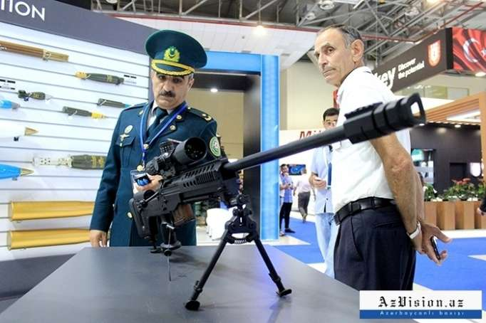 29 ölkənin ən yeni silah və texnikaları Bakıda - VİDEOREPORTAJ