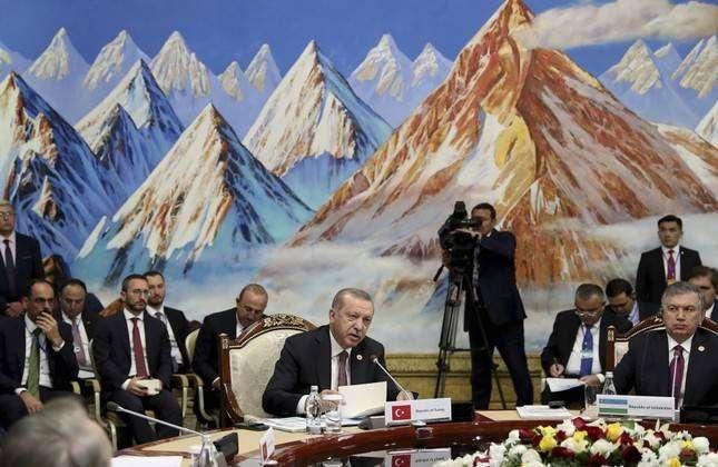 President Erdogan proposes to trade without US dollar