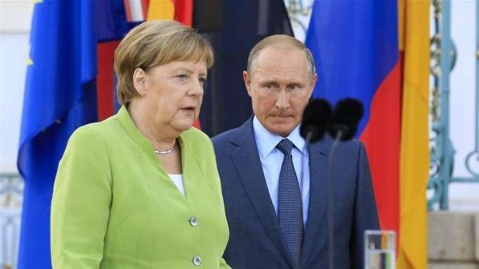 Putin Merkellə Suriyanı müzakirə edib