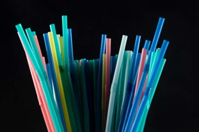 En Californie, les pailles en plastique ne seront plus automatiques