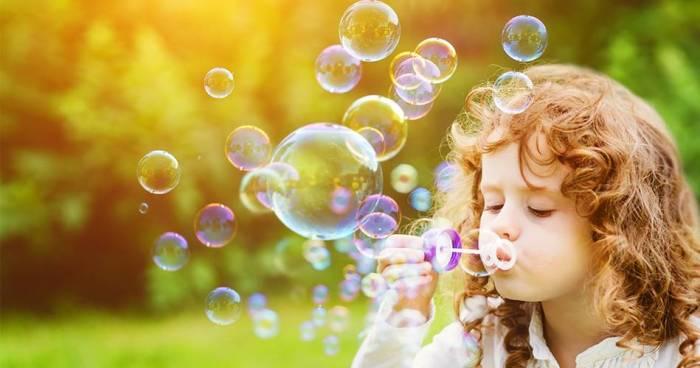 Science décalée : comment souffler la parfaite bulle de savon