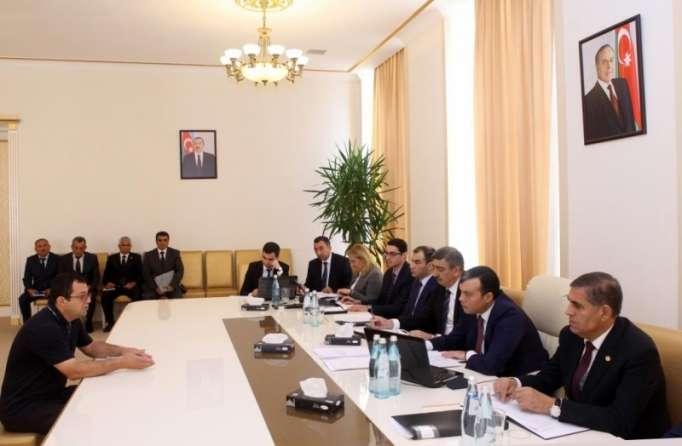 Sahil Babayev vətəndaşları dinlədi